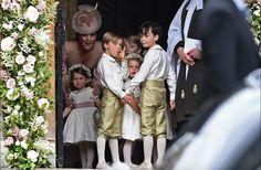Awaiting the Bride Kate Middleton, Pippa Middleton Wedding, Middleton Family, Pippas Wedding, Wedding Advice, Perfect Wedding, Wedding Photos, Wedding Dresses, Wedding Ceremony
