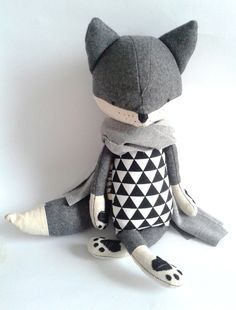 The most gorgeous stuffed toys for bub. Foxes, raccoons and bears - very on trend!
