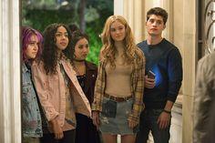 Marvel's Runaways Gregg Sulkin, Ariela Barer, Lyrica Okano, Virginia Gardner and Allegra Acosta Image 1 (40)