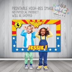 Wonder Woman Photo Booth, Wonder Woman Birthday, Wonder Woman Party, Wonder Woman Photo Booth Party Frame PRINTABLE by NYCPartyPrintables on Etsy https://www.etsy.com/listing/386606492/wonder-woman-photo-booth-wonder-woman Photo Booth Frame, Printables, Wonder Woman, Selfie, Print Templates, Selfies