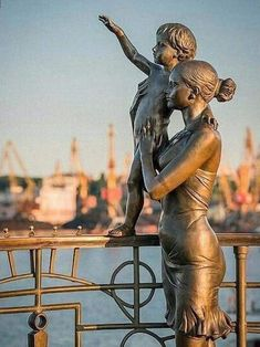 """The Seaman's Family"" Public Art in Odessa, Ukraine - Ukraine Flowers Delivery Sculpture Metal, Modern Sculpture, Abstract Sculpture, Sculpture Museum, Sculpture Garden, Auguste Rodin, Land Art, Pics Art, Monuments"