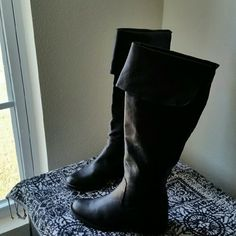 JESSICA SIMPSON. ....GORGEOUS BLACK . BOOTS. ...EXCELLENT CONDITION  ...LIKE NEW ...NO FLAWS ...GORGEOUS  ...true to its size and color  ...2 pic up close ...4 pic bottom sole wear...still in great shape ...MAN MADE LEATHER. ...NOT GENUINE LEATHER. ...fold on top of boot ...comfortable  ...HEEL...adding soon.. ...better in person Jessica Simpson Shoes Heeled Boots