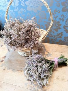 Lavender and Limonium will feature in delicate hair flowers
