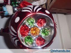 Ik verzamel zelf oude kerstballen...het liefst van die mooie foute figuurtjes...vind ze gewoon leuk.../ Vintage Christmas ornament.
