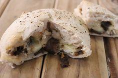 Resep-video: Biltong-bom My Favorite Food, Favorite Recipes, Donut Muffins, Donuts, Braai Recipes, Donut Bun, Biltong, Taste Buds, Bread Baking