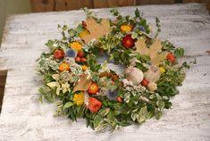 Prírodné jesenné dekorácie, ktoré vydržia naozaj dlho Fall Decor, Diy And Crafts, Floral Wreath, Wreaths, Autumn, Home Decor, Decoration Home, Room Decor, Fall