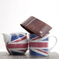 1RedPlace Men's Handcrafted Two Tone Cowhide Leather Id And Front Pocket Wallet. Available on #Amazon now #unionjack #british #wallets #accessories