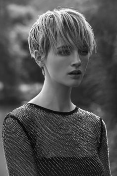 The Short Pixie Cut - 58 Great Haircuts You'll See for 2019 - Hairstyles Trends Great Haircuts, Cool Short Hairstyles, Pixie Hairstyles, Short Hair Cuts, Short Hair Styles, Androgynous Haircut, Milkmaid Braid, Pixie Cut, Hair Designs