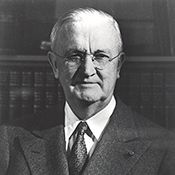 Biography of Thomas B. McCabe, a person who figures prominently in the Federal Reserve's history. Janet Yellen, Abraham Lincoln, Biography, History, Chair, Reading, People, Historia, Reading Books
