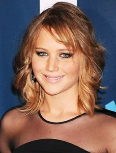 """<3 Jennifer Lawrence's """"Shag"""" Haircut: All The Details From Her"""