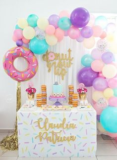 Donut Party Decorations-Parties are of interchange types and due to their diversified nature, alternative types of decorations are required. 2nd Birthday Party Themes, Donut Birthday Parties, Girl Birthday Themes, Birthday Party Decorations, Cake Birthday, Girl Themes, Circus Birthday, Circus Party, Donut Decorations
