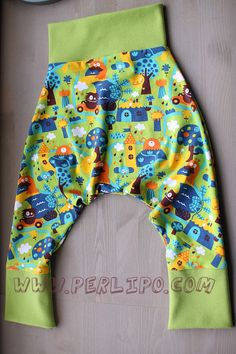 PDF Pattern Perlipants Harem trousers 1 month old to by Perlipo Baby Bibs Patterns, Pdf Sewing Patterns, Sewing Baby Clothes, Baby Sewing, 5 Month Old Baby, 1 Month, French Pattern, Bib Pattern, Harem Trousers