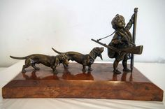 Vienna Bronze figure signed by Carl Kauba, early century Sculpture Art, Sculptures, Vienna, Native American, Bronze, Statue, Antiques, Dogs, Beautiful