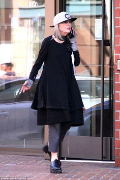 Diane Keaton rocks youthful flat-bill cap and quirky outfit in Beverly Hills | Daily Mail Online