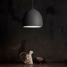 Lightyears - Pendel Suspence Sort i elegant design Fritz Hansen, Optical Illusions, Aluminium, Pendant Lighting, Wall Lights, Table Lamp, Shapes, Elegant, Black Pendants