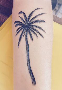 Palmtree Tattoo - Authentik Tattoo Reunion Island