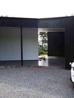 Driv Arkitekter | Bolig Sandefjord Garage Doors, Villa, Outdoor Decor, Home Decor, Decoration Home, Room Decor, Interior Design, Home Interiors, Villas