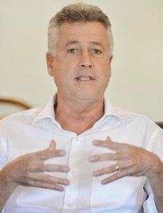 #EleiçõesDF: Rollemberg quer ser a opção para mudanças.  * Clique no Site  Blog do Chiquinho Dornas