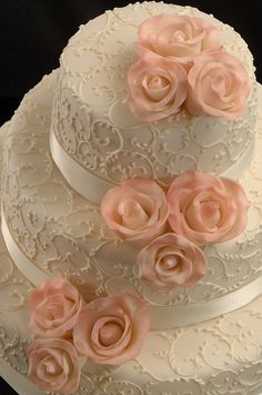 love the design of this cake
