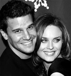 David Boreanz and Emily Deschanel <3 My two favorite characters hands down