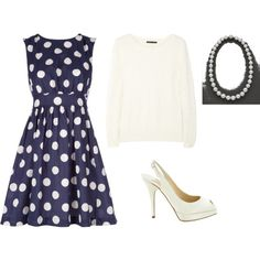 This dress makes me think of I Love Lucy. I would totally wear this dress!