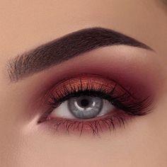 Super makeup red eyeshadow make up brows ideas Red Eye Makeup, Red Eyeshadow, Makeup Eye Looks, Fall Makeup, Eyeshadow Palette, Metallic Eyeshadow, Burgundy Makeup, Makeup Goals, Makeup Inspo