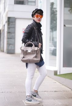 My Blueberry nights Mirror sunglasses with nike blazer and pashli clon bag. Streetstyle