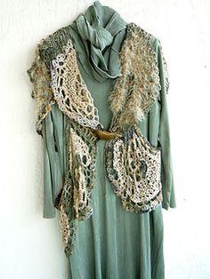 Ravelry: FridaKahlo's The Beige Brigade Knit Fashion, Boho Fashion, High Fashion, Fashion Design, Crochet Clothes, Diy Clothes, Free Crochet, Knit Crochet, Lace Outfit
