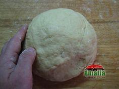Aluat prajitura dobos Caramel, Bread, Breakfast, Food, Salt Water Taffy, Breakfast Cafe, Toffee, Essen, Breads