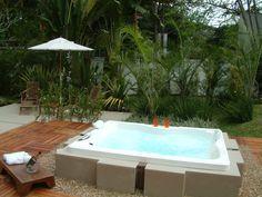 Hidro ao ar livre, luxo total! Paisagismo Marisa Lima Lima, Bathtub, Outdoor Decor, Home Decor, Hydro Dipping, Outdoors, Landscaping, Gardens, Standing Bath