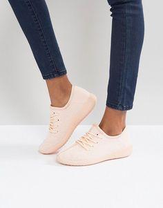 Qupid Runner Sneaker - Pink