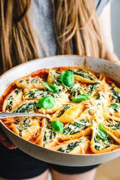 Pasta Recipes, Vegan Recipes, Bio Vegan, Eat This, Bastilla, Vegan Pasta, Thai Red Curry, Veggies, Tasty