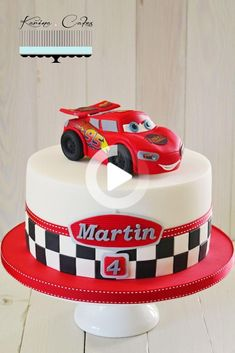 Disney Cars Cake, Disney Cars Birthday, Cars Birthday Parties, Disney Cars Party, Car Cakes For Boys, Race Car Cakes, Bolo Pavlova, Lighting Mcqueen Cake, Lightning Mcqueen Birthday Cake