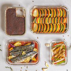 Wil je meerdere gerechtjes in de oven bereiden? De Sareva ovenschalenset bestaat uit 4 verschillende formaten ovenschalen. Maak apart van elkaar groentes, aardappeltjes en vlees klaar in de oven. Houd je restjes over? De geharde glazen ovenschaal is geschikt voor de oven, de magnetron en de vriezer. Fresh, Cooking, Food, Kitchen, Essen, Meals, Yemek, Brewing, Cuisine