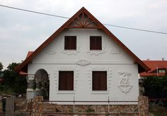 a jelenben European House, Good House, Hungary, Beautiful Homes, Farmhouse, Cottage, Outdoors, Cabin, Traditional