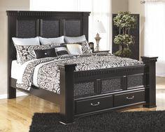 Cavallino Traditional Black Wood King Storage Bed