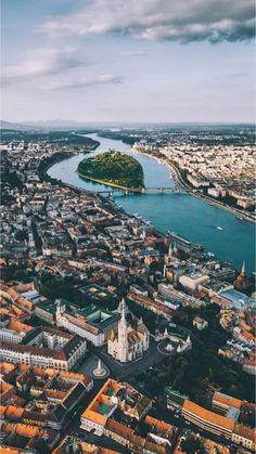 21 Best places to visit in Hungary! Cool Places To Visit, Places To Travel, Places To Go, Tour Around The World, Around The Worlds, Capital Of Hungary, Budapest Travel, Most Beautiful Cities, Travel And Leisure