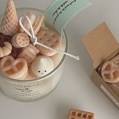 Cute Candles, Best Candles, Diy Candles, Beeswax Candles, Scented Candles, Candle Packaging, Handmade Candles, Candle Making, Room