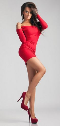 Russia Red - http://www.legsnheels.org/russia-red/ Like !? Share !? Comment !? #sexy #legs #heels