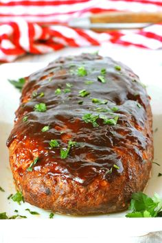 A whole, uncut loaf of BBQ Meatloaf on a platter. Meatloaf Recipe Bbq Sauce, Bbq Meatloaf, Meat Loaf Recipe Easy, Barbecue Meatloaf Recipes, Ground Beef Recipes For Dinner, Easy Dinner Recipes, Dinner Ideas, Dinner Menu, Sauce Barbecue