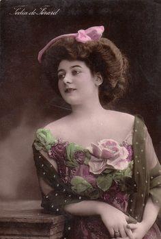 Vintage French Actress Postcard .Romantic Woman. Actress Fedia de Ferard