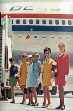 Stewardesses of the DC-10 family