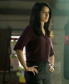 Undoubtedly, Shraddha Kapoor is one of the most promising actresses in India. Recently, Shraddha Kapoor's first look from her upcoming movie Saaho Bollywood Actors, Bollywood Celebrities, Bollywood Fashion, Bollywood Quotes, Bollywood Outfits, Bollywood News, Most Beautiful Indian Actress, Beautiful Actresses, Beautiful Celebrities