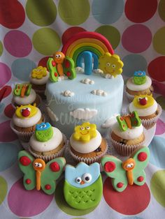 Baby Car Seats Safety Tips Baby Tv Cumpleaños, Baby Tv Cake, Baby Girl Birthday Cake, Bday Girl, Brithday Cake, Fondant Baby, Crazy Cakes, Just Cakes, Cake Tutorial