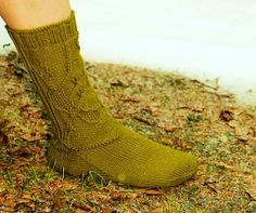 Hilppa: Villasukkaohjeita miehille Knitting Socks, Knit Socks, Projects, Fashion, Log Projects, Moda, Blue Prints, Fashion Styles, Fashion Illustrations