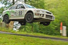 Mitsubishi Evo rally car - big jump!!!