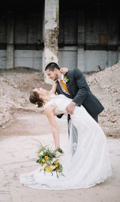 Wedding Photo across from The Standard Knoxville | Erin Morrison Photography www.erinmorrisonphotography.com