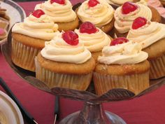 Rooibos cupcakes on a rainy day Filled Cupcakes, Mini Cupcakes, Cupcake Recipes, Baking Recipes, South African Dishes, Lemon Icing, Cupcake Cases, Cream And Sugar, Recipes