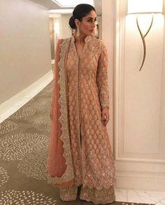 Kareena kapoor latest Kurti style