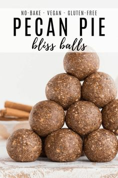 These pecan pie bliss balls are an easy and healthy fall recipe! They are vegan, gluten-free, and lo Pecan Recipes, Vegan Dessert Recipes, Vegan Sweets, Vegan Snacks, Healthy Fall Recipes, Healthy Treats, Healthy Choices, Keto Recipes, Gluten Free Pecan Pie